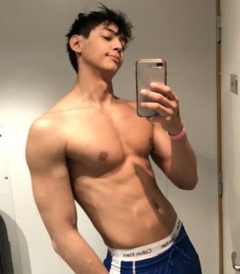 Profile picture of yourplayboyy